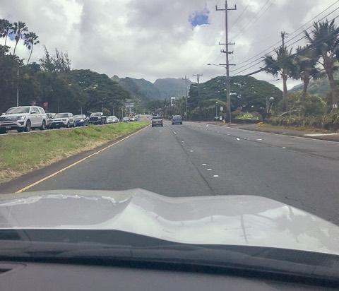 ハワイの道路が狭い