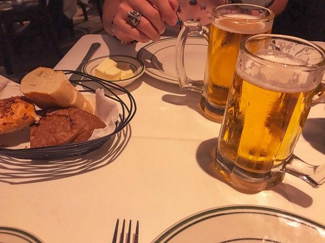 ウルフギャングのパンとバター