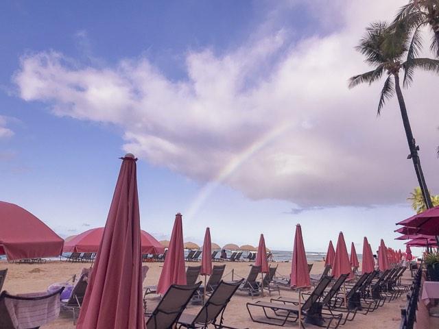 ロイヤルハワイアンホテルの虹